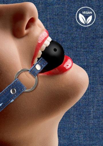 Кляп-шарик With Roughend Denim Straps с синими джинсовыми ремешками
